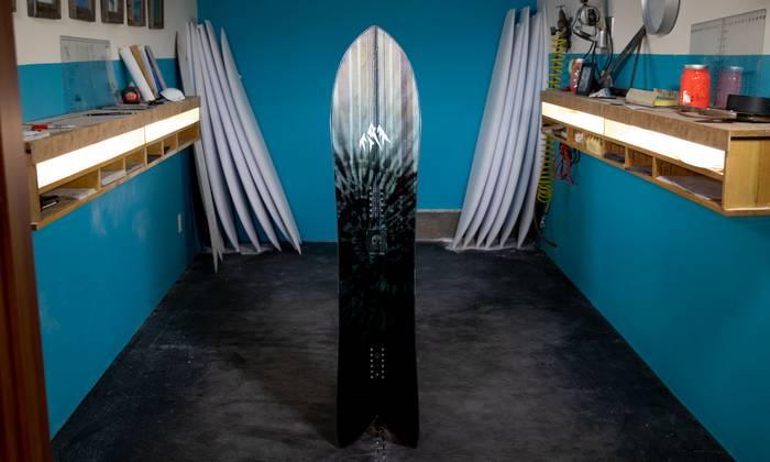 planche-snowboard-jones-stormchaser-2020